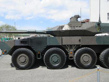 16式機動戦闘車(2)_R.JPG